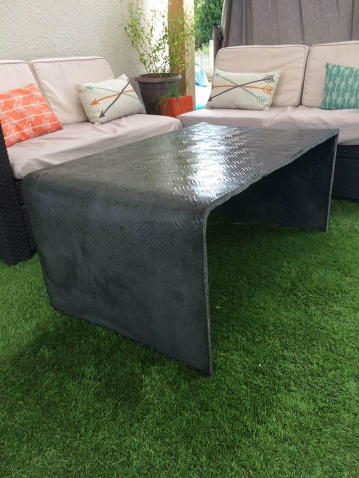 Table béton plié (mobilier béton)